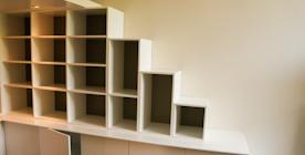 Boekenkast logeer kamer
